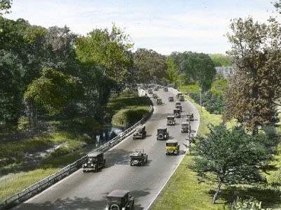 Cars on the Bronx River Parkway, n.d. (PLS-418)