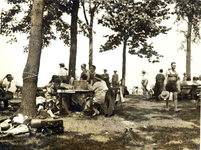 Picnickers at Glen Island Park, 8 July 1928 (PPC-5611_2)